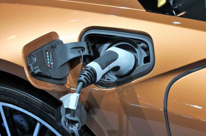 costo assicurazione auto elettrica